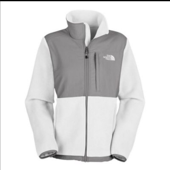 The North Face Jackets & Blazers - 💕The North Face Fleece jacket